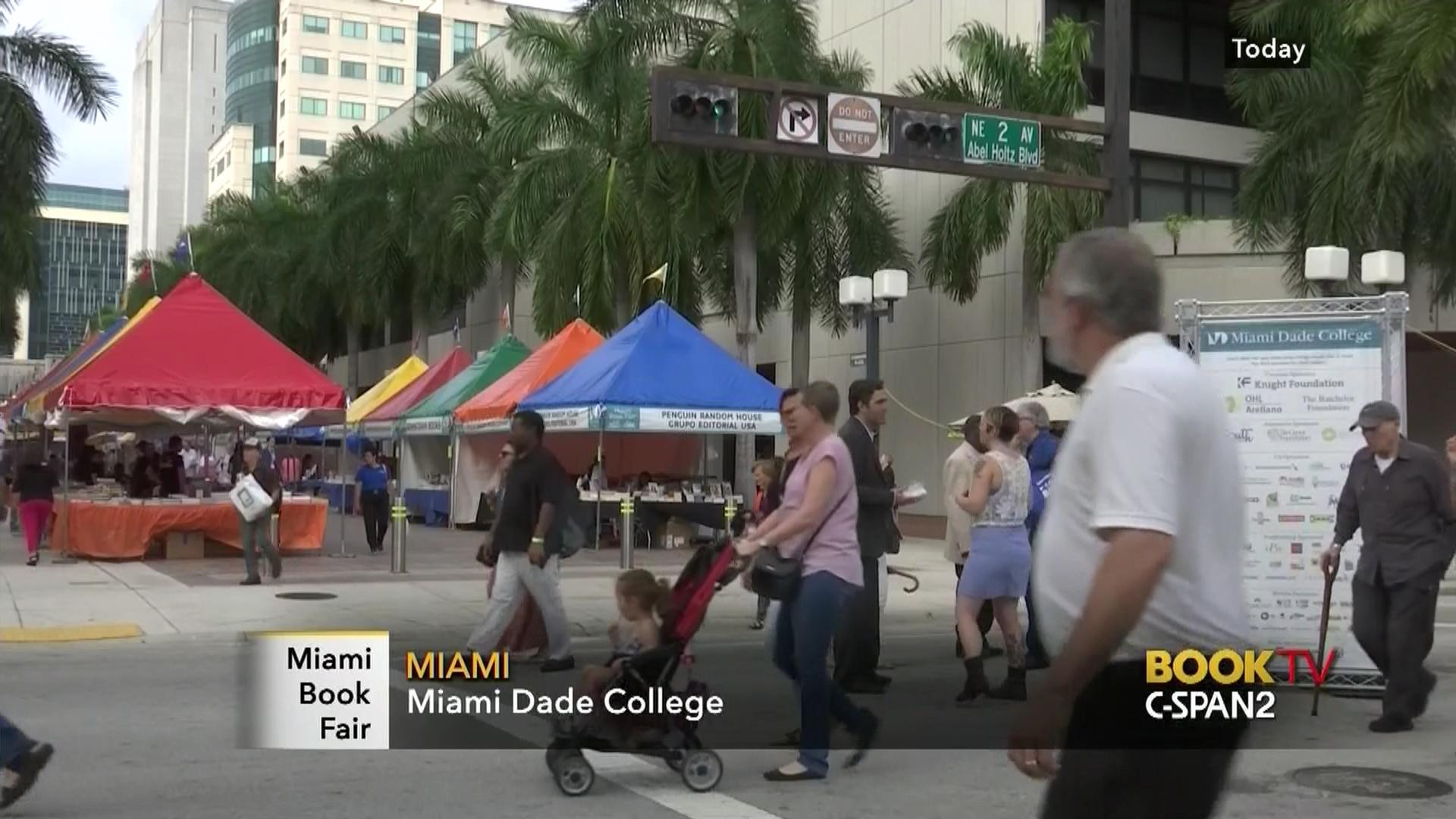 2015 Miami Book Fair 41804538c