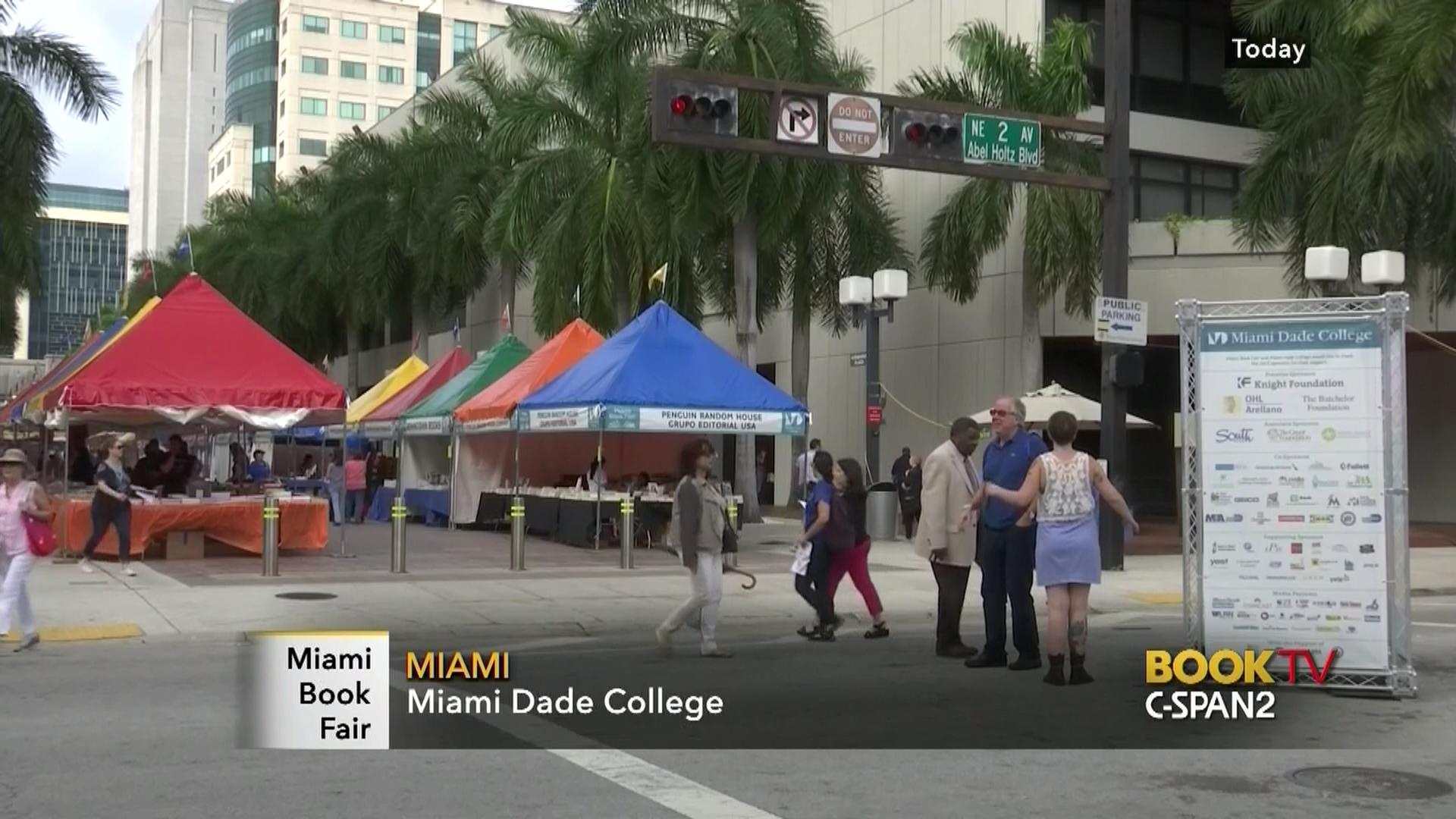 Miami Book Fair 2015 - Sat  Opening